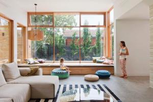 客厅飘窗怎么设计好看,客厅飘窗装修注意事项