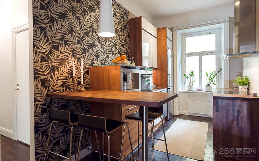 餐厅棕色实木长餐桌效果图