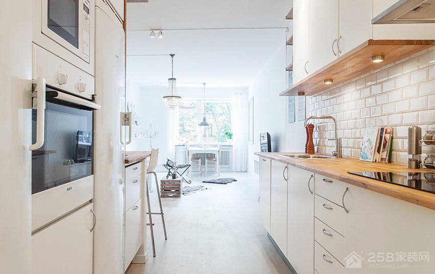 精致简约厨房实木橱柜图片