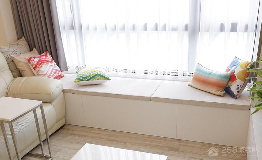 客厅时尚飘窗布艺窗帘效果图