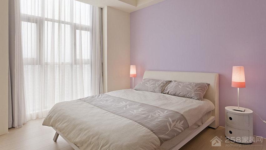 卧室白色布艺窗帘效果图