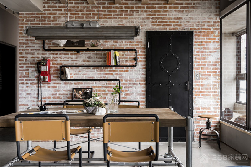 工业风餐厅家庭餐桌椅效果图
