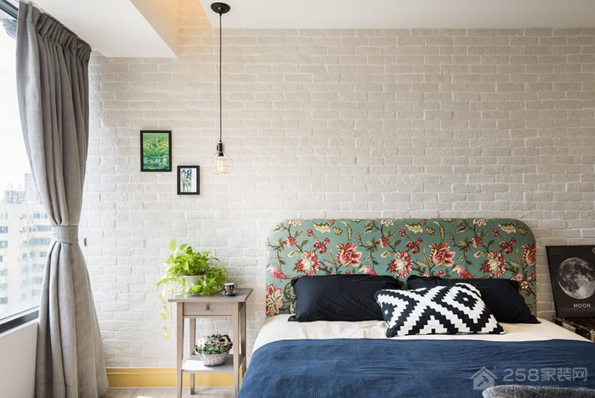 复古工业风卧室板式床图片