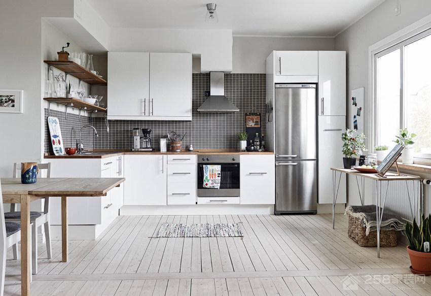 清爽亲子公寓厨房白色橱柜效果图