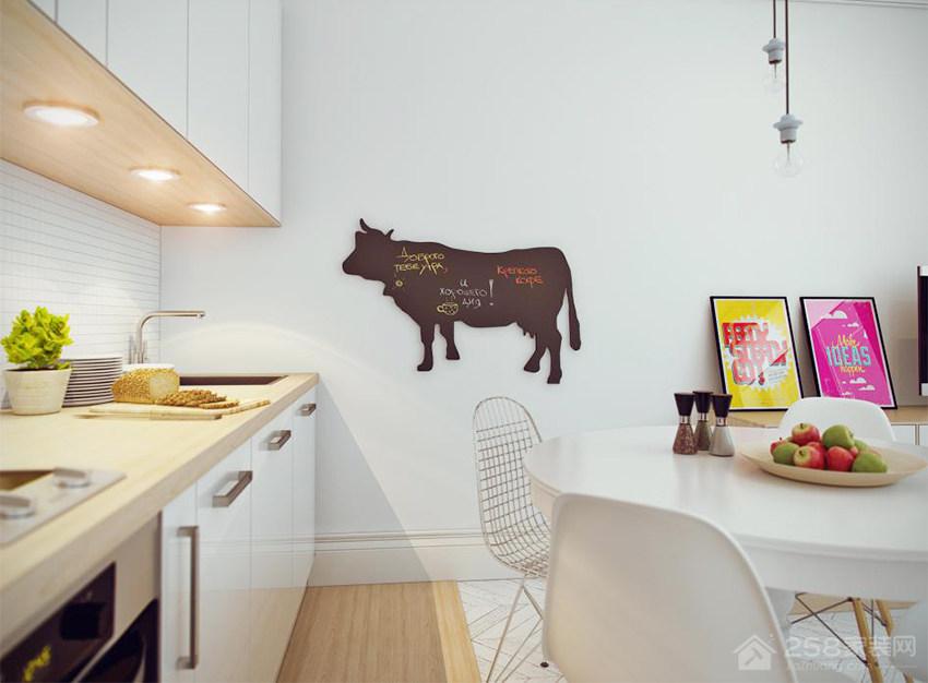 北欧风小公寓厨房白色门板展示图