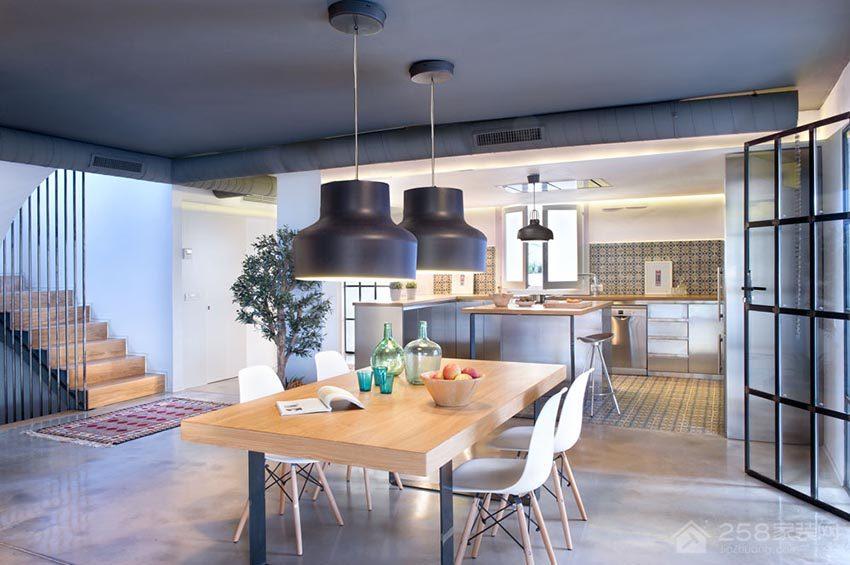 现代简约餐厅黑色铁艺吊灯展示图