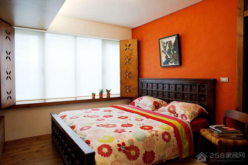 温馨Loft风公寓卧室实木床图片