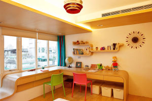 现代温馨Loft公寓儿童房原木色实木书桌效果图
