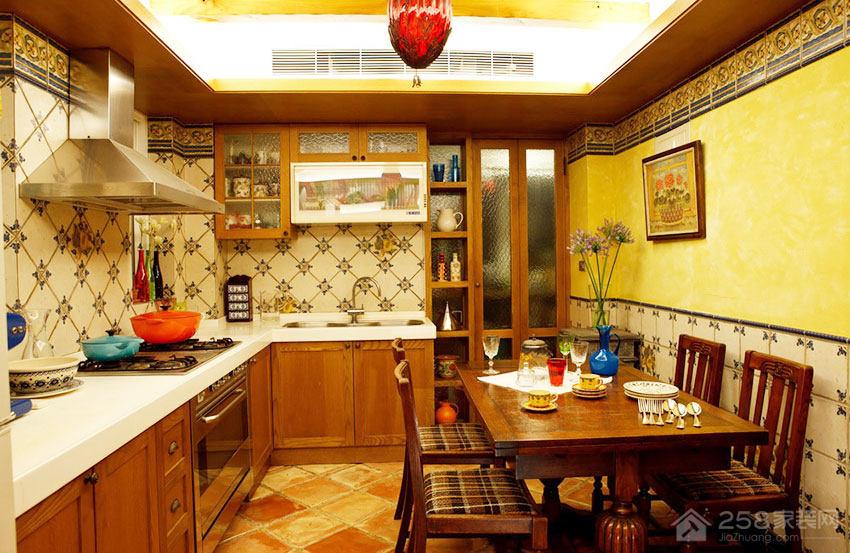温馨Loft风厨房原木色橱柜门板展示图