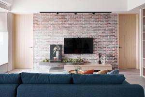 客厅工业风电视墙效果图