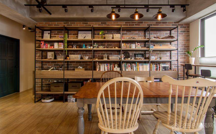 Loft亲子宅公寓餐厅原木色四人长餐桌图片