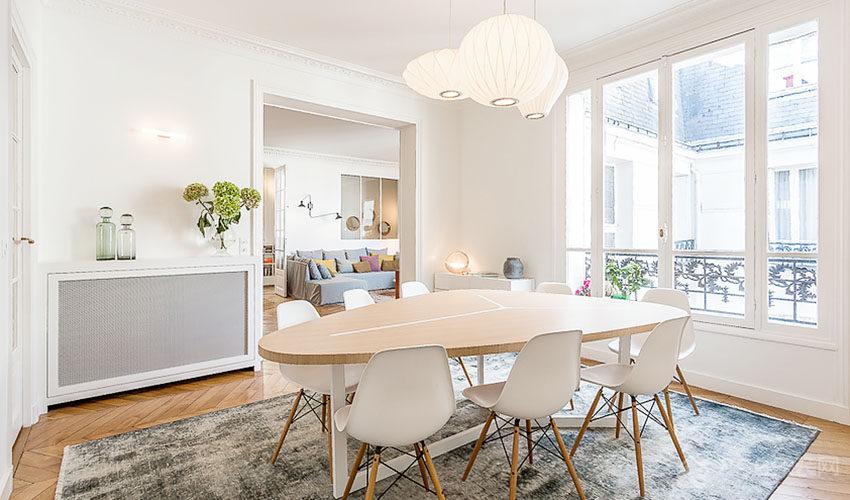 时尚日光餐厅家庭餐桌椅展示图