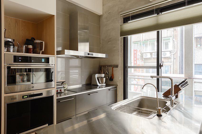 现代厨房不锈钢橱柜台面效果图