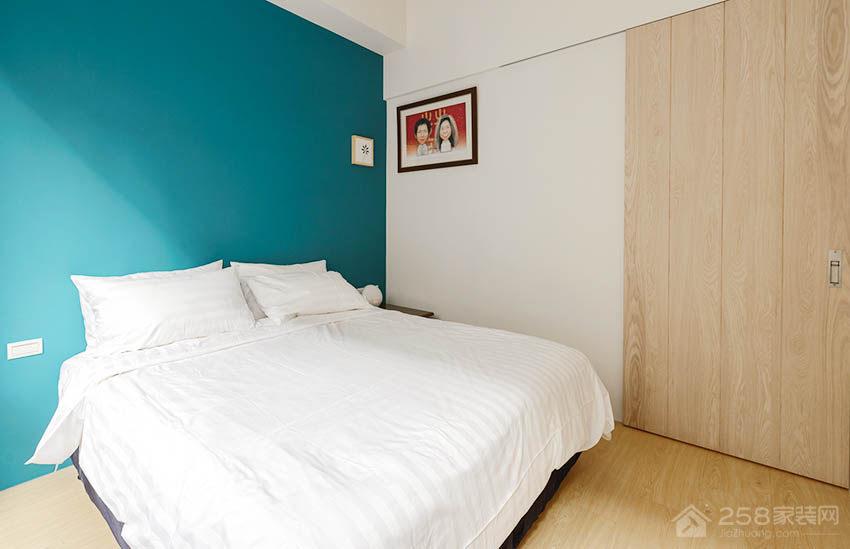 现代简约卧室双人床图片