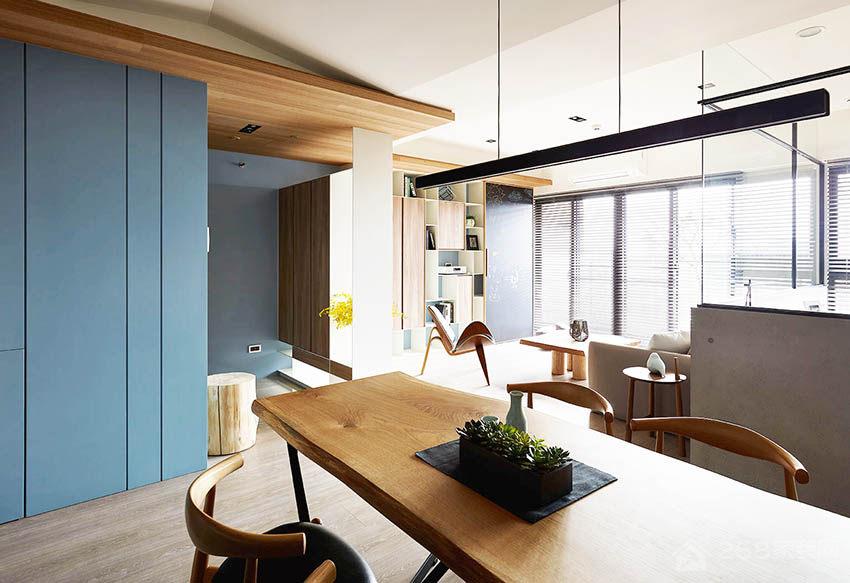 现代简约风格餐厅实木餐桌图