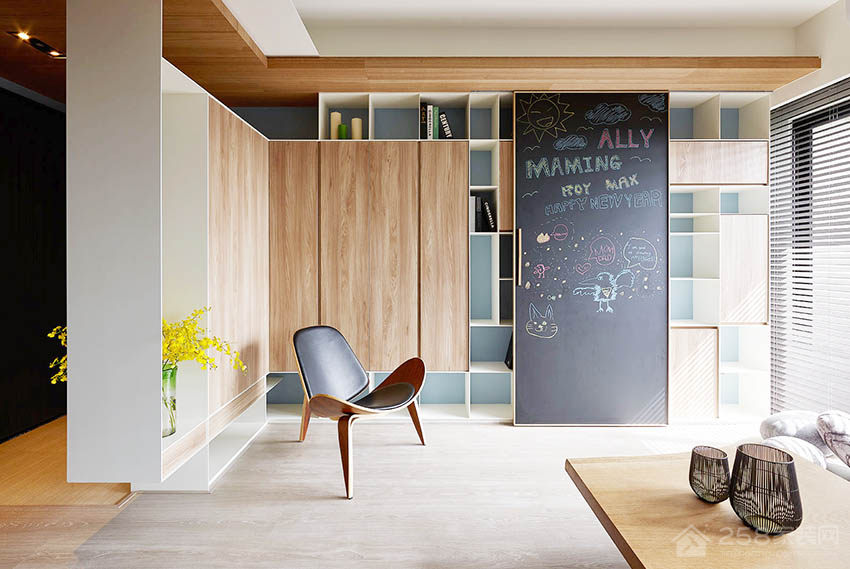 现代客厅隔断柜装修效果图