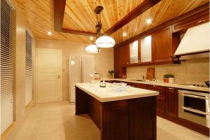 2017六款厨房吊顶装修效果图欣赏