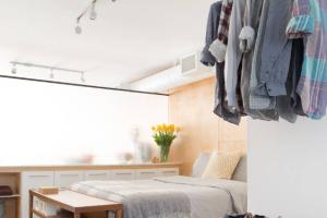 卧室空间太小不够用,只需要从常用的卧室家具入手