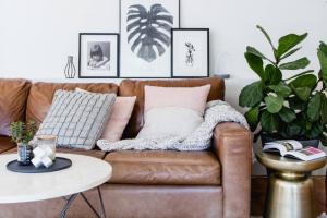 要说经典的沙发,怎么能少得了棕色真皮款