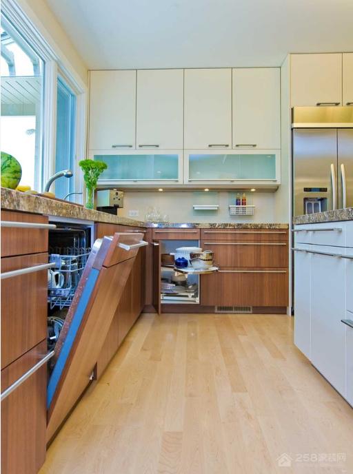 厨房洗碗机清洁