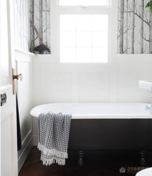 有了这种彩色浴缸,让你家的浴室不再单调