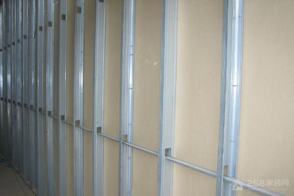 做隔墙是用木龙骨好还是轻钢龙骨好?