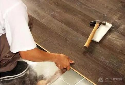 瓷砖上面可以铺地板吗?有什么注意事项