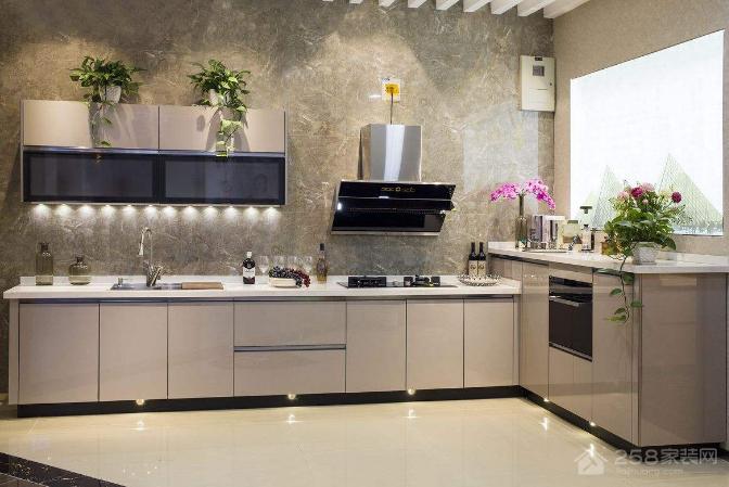 烤漆橱柜价格是多少,如何保养烤漆橱柜?