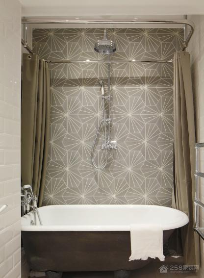 浴室安装浴帘还是淋浴屏好,看完你就知道