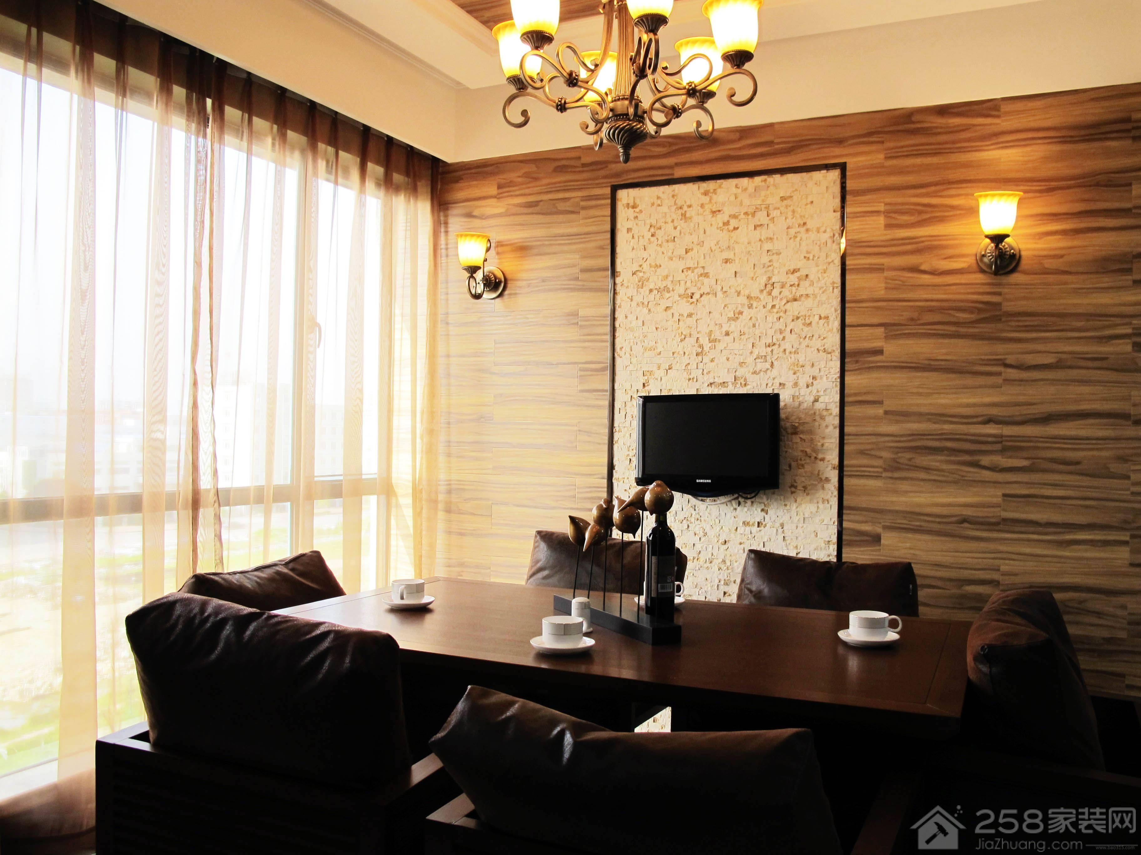 御城中式三居室装修效果图