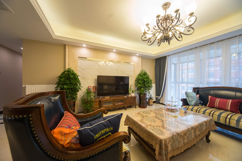 聚宝山庄160m²美式四居家装效果图