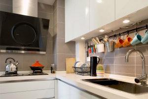 L型小厨房白色石英石橱柜台面效果图