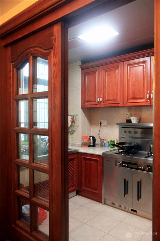 混搭设计厨房实木推拉门效果图片
