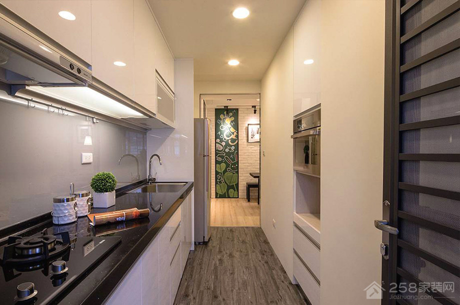 简约一字型厨房黑色石英石橱柜台面效果图