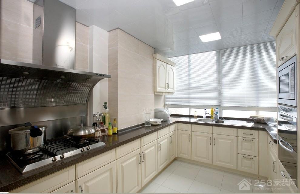欧式U型厨房黑色石英石橱柜台面效果图