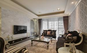 龙泽家园84平古典风格二居装修效果图