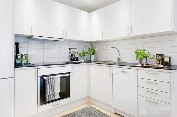 现代简约厨房白色橱柜装修效果图