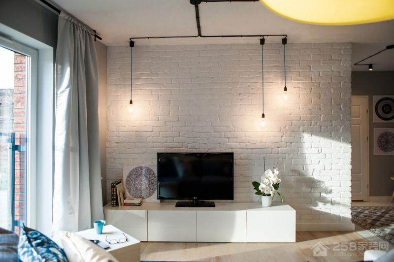 北欧风客厅白色瓷砖电视背景墙图片