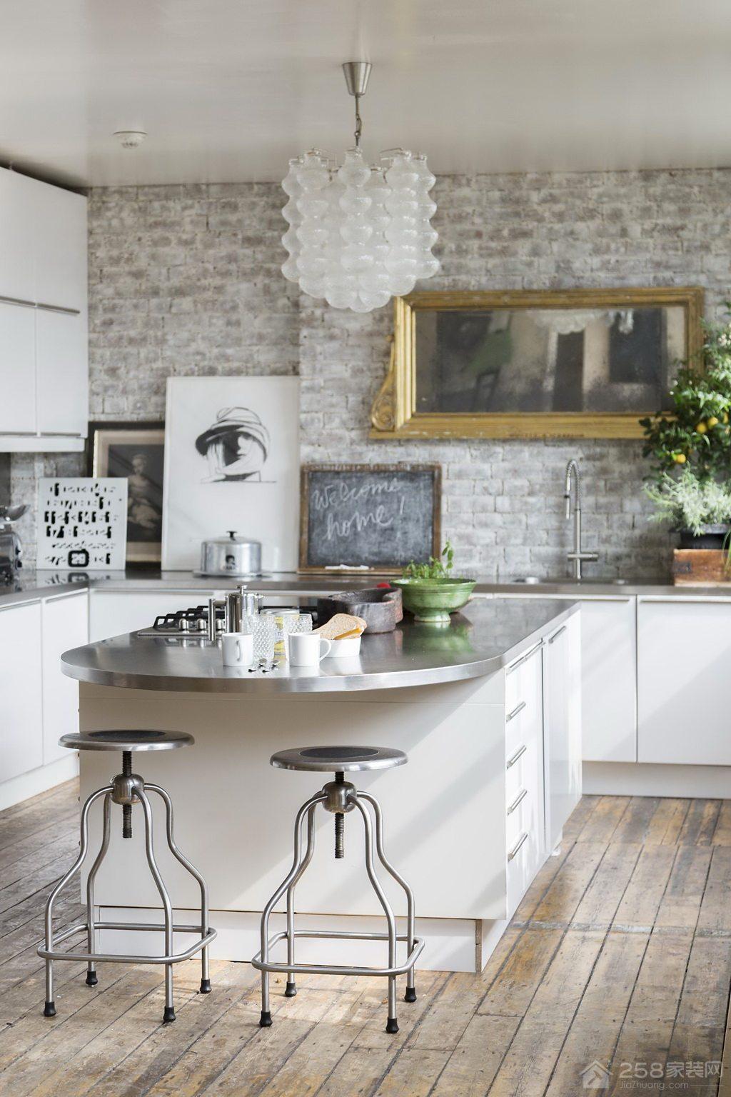 个性实用不锈钢厨房吧台椅设计