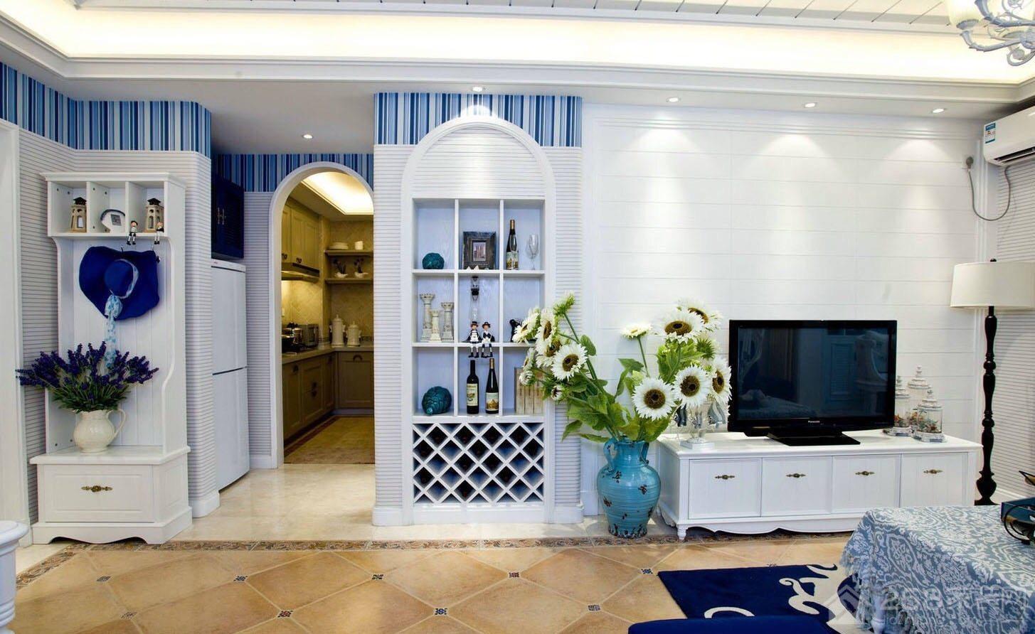 地中海风格客厅白色展示柜图片