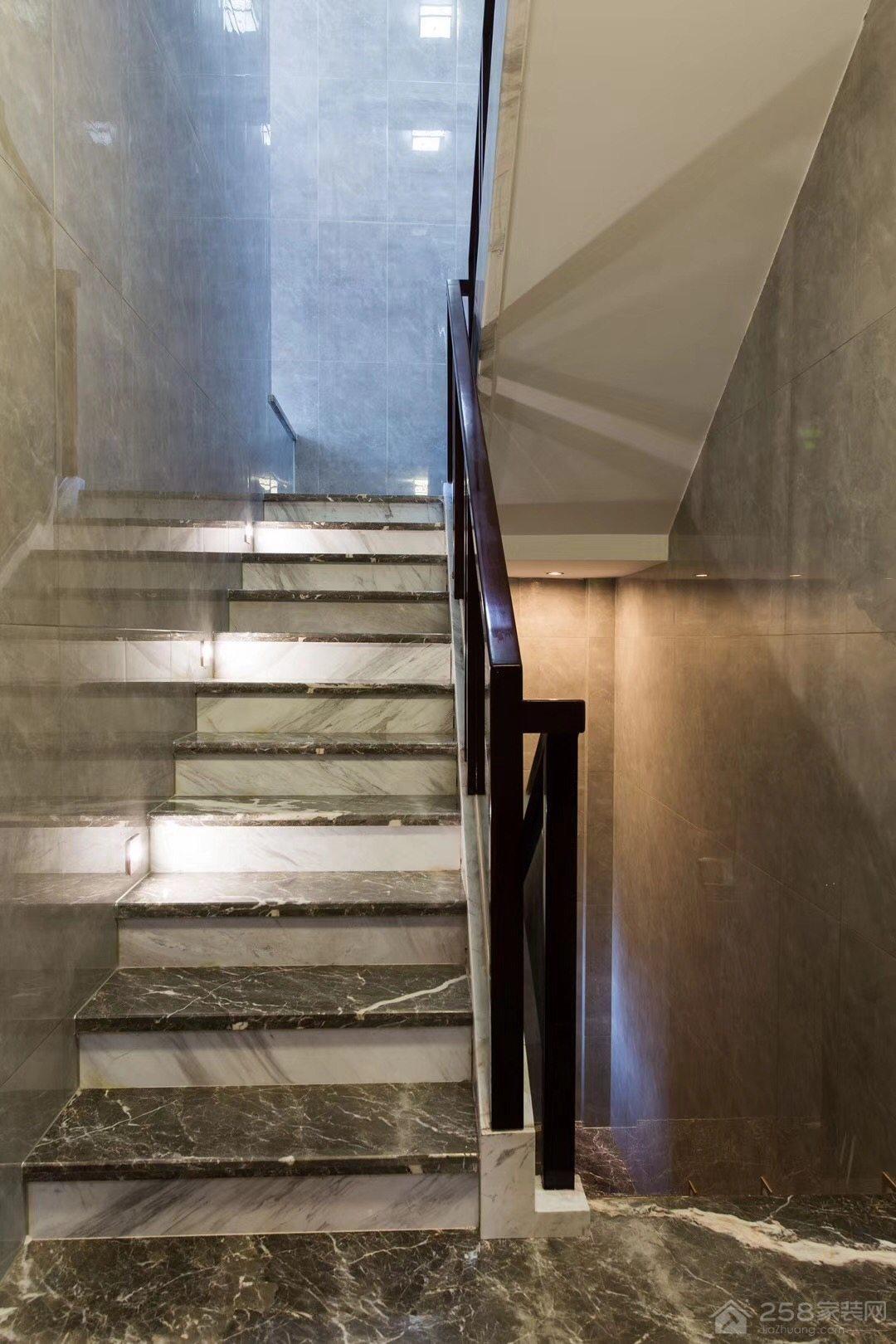 复式楼大理石楼梯装修效果图