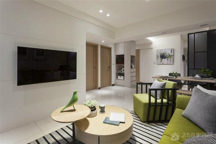 现代简约原木色客厅圆形茶几图片