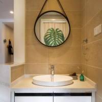 日式简约浴室实木浴室柜展示图